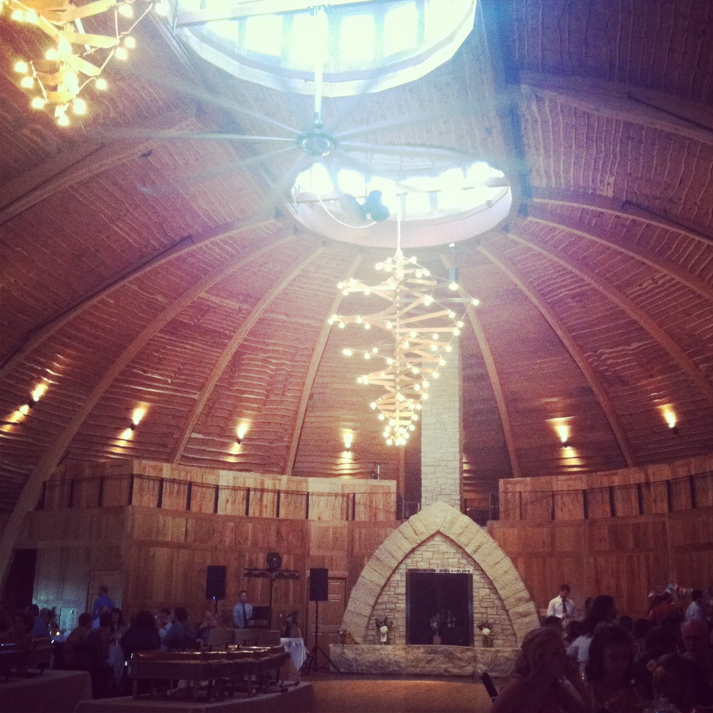 You can't NOT dance in a barn wedding. (Isn't this the most beautiful barn you've ever seen?)